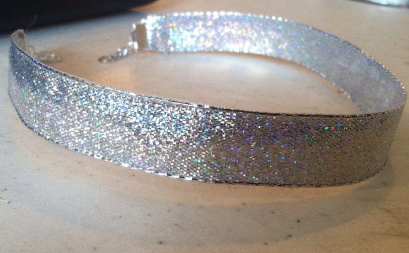 Holographic choker-NRoH