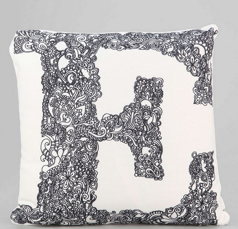 Throw Pillows For Your New Dorm Room   No Repeats or Hesitations